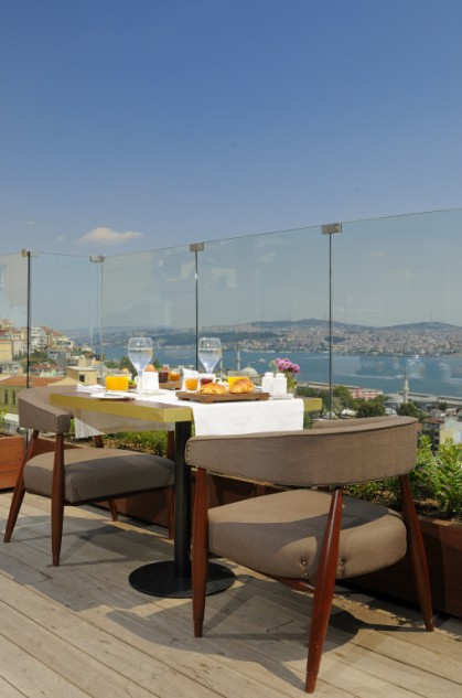 Georges hotel galata photo gallery one of europe s top for The terrace brunch