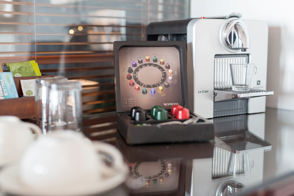 Le cube nespresso machine georges hotel galata luxury for Cube suites istanbul